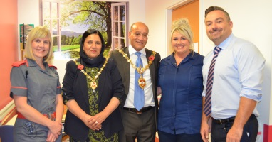 Mayor helps to celebrate dignity in Dudley